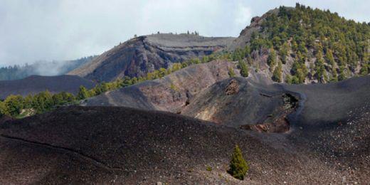 Ahli Geologi Cemaskan Tsunami Setinggi 100 Meter Bila Gunung Ini Meletus