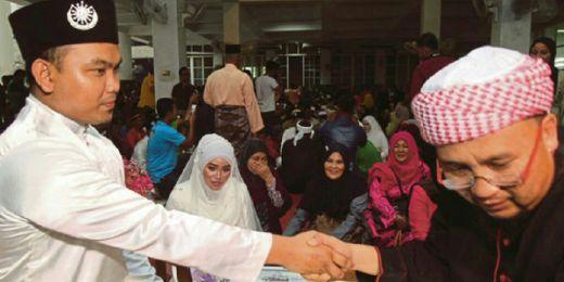 Merasa Sejuk Tiap Mendengar Azan, Gadis Malaysia Ini Akhirnya Bersyahadat