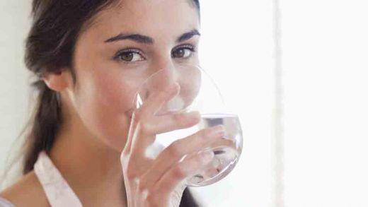 Waspadalah, Over Dosis Air Minum Ternyata Dapat Ganggu Fungsi Otak