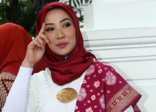 Cantiknya Istri Menteri Sosial Idrus Marham Bikin Undangan Gagal Fokus
