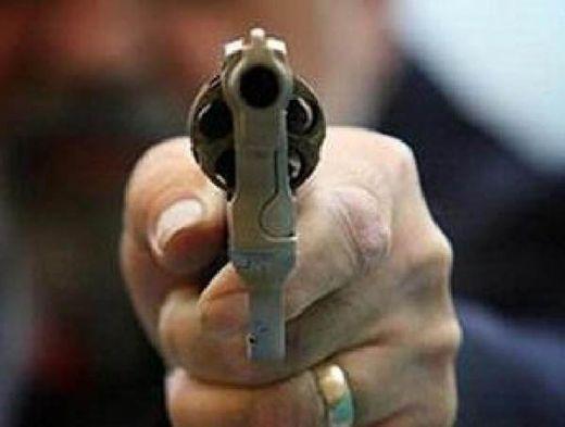 Nekat Bacok Polisi, Perut Begal Sadis Ditembak Tapi Tetap Melawan, Akhirnya Ditembak Sekali Lagi