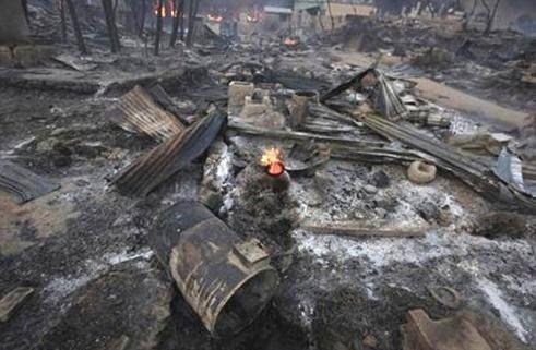 Sungguh Keji, Pembantaian Militer Myanmar Terhadap Muslim Rohingya, Mayat-mayat Bermunculuan dari Lumpur dan abu