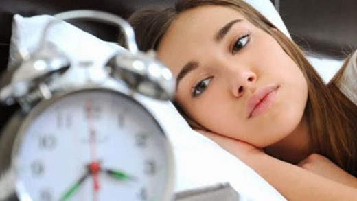 Satu Jam Bermain WhatsApp, Facebook, dan Snapchat Ternyata Bisa Merusak Pola Tidur