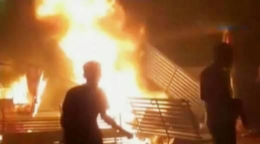 Dipicu Tewasnya Warga Tertembak Anggota Brimob, Massa Bakar Mapolsek Sugapa