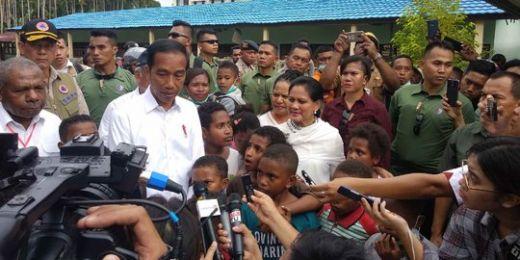 Ke Anak-anak di Sentani, Jokowi Janji Segera Perbaiki Sekolah Terdampak Banjir