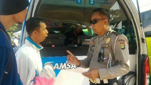 May Day, Polisi Adakan Service dan Layanan SIM Keliling Gratis di Cikarang