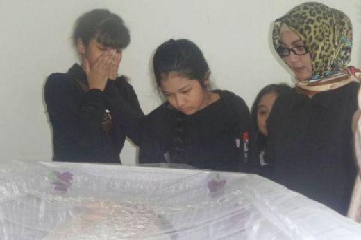 Keluarga Yana Zein Jual Mobil untuk Biayai Pemakaman