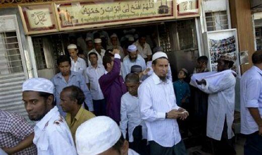 Umat Islam Yangon Protes Penutupan 2 Madrasah