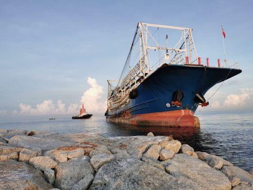 Kapal China Kandas, TNI AL Terus Lakukan Penyelamatan