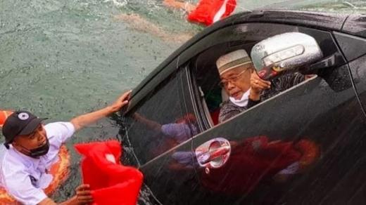 Viral, Mobil Tercebur ke Danau Toba, Begini Kronologisnya