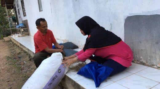 Viral... Warga Sodong, Batang Ciptakan Bantal Anti Bau Apek yang Bertahan Hingga Tahunan