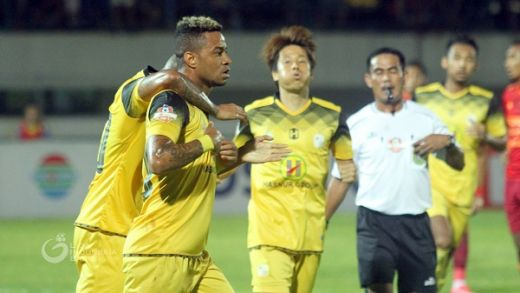 Rekor Menterang Borneo FC Patah di Demang Lehman