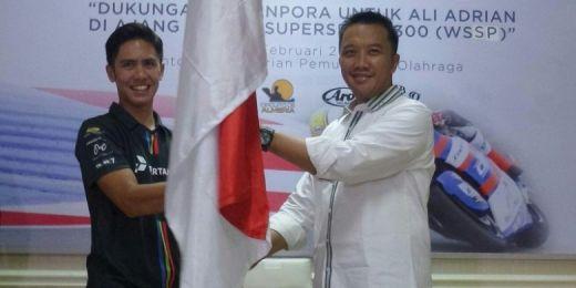 Pebalap Indonesia Ali Adrian Berangkat ke Spanyol, Ini Harapan Menpora