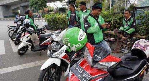 Motor Masuk Tol, Ojol: Dapat Ngojek Cuma Rp3000, Emang yang Bayarin Tol Ketua DPR?