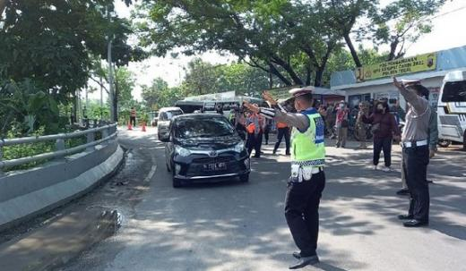 8 Travel Gelap dari Jakarta Kena Setop di Tegal