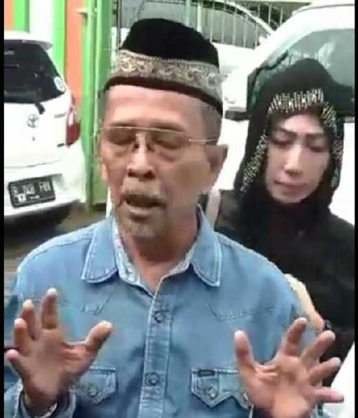 Kisruh Prosesi Pemakaman Jenazah Yana Zein, Sang Ayah Inginkan Anaknya Dimakamkan Secara Islam
