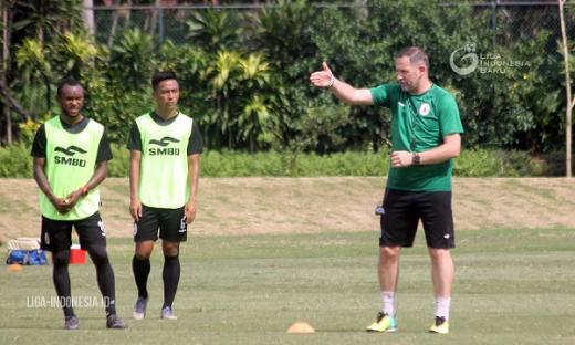 Sebelum Kick Off, Dejan Antonic Bilang Butuh Enam Pekan