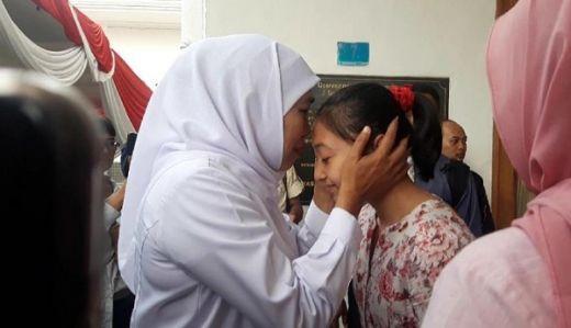 Khofifah Minta Pelatih yang Tuduh Shalfa Tak Perawan Minta Maaf