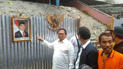 Hari Ini, Ketua Gebu Minang Oesman Sapta Bantu Korban Kebakaran Pasar Senen