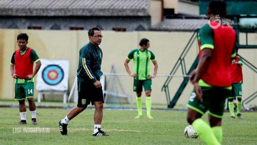 Aji Santoso Fokus Persiapan Hadapi Sabah FA