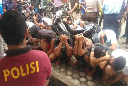 Mencuri, Belasan Oknum Satpol PP Ditangkap Polisi