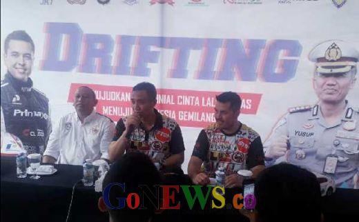 Millennial Road Safety Festival 2019, Rifat Sungkar dan Dirlantas Polda Metro Jaya Gelar Aksi Drifting