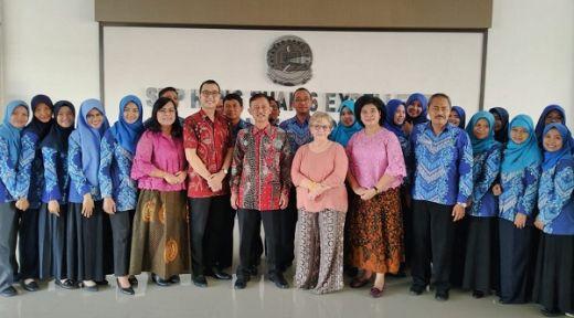 Yayasan Hang Tuah Pertajam Bahasa Inggris