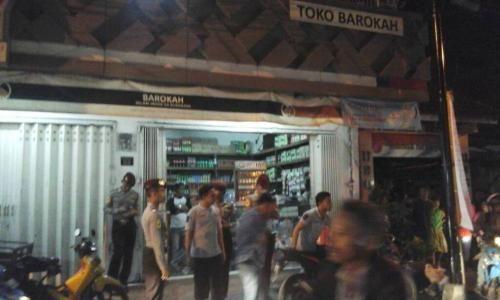 Polisi-Satpol PP Razia Gang Dolly Surabaya, Ratusan Miras Disita