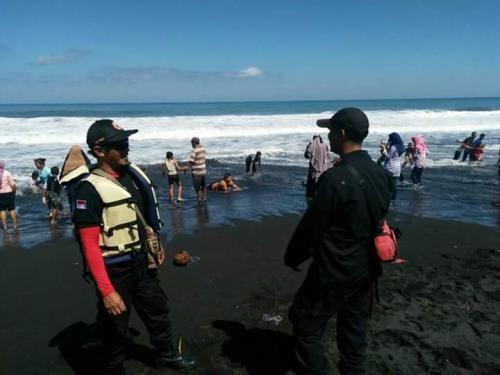 Digulung Ombak Pantai Wotgalih, 3 Tewas dan 1 Luka-luka