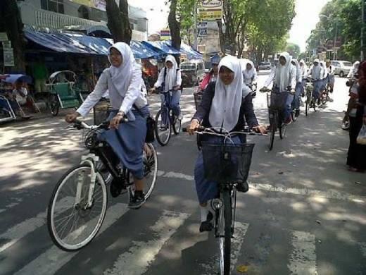 Patut Ditiru Pemda Lain, Larang Bawa Motor ke Sekolah, Pemkot Blitar Bagikan Sepeda Gratis