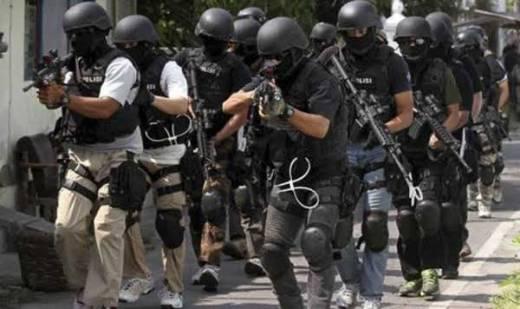 Perampok Sandera Pemilik Rumah Mewah, Polisi Kepung Lokasi di Pondok Indah