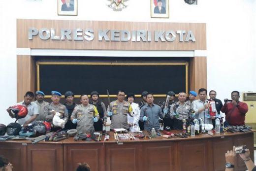 Bentrok saat Laga Persik vs PSIM, 53 Suporter Ditangkap di Kediri