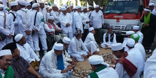 Demi Berangkat Ke Jakarta Wakil Ketua Dpw Fpi Cilacap Jual Samsung