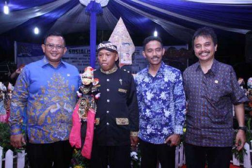 Sosialisasi Melalui Pendekatan Budaya, MPR Gelar Wayang Golek di Desa Pasir Angin, Cileungsi