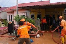 BAZNAS Tanggap Bencana Bantu Evakuasi Korban Banjir di Tanjungpinang