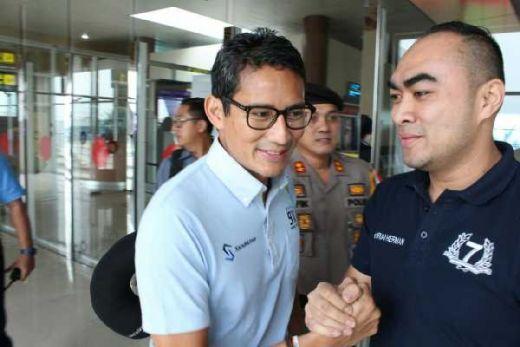 Ini Pesan Sandiaga Uno saat Dijemput Irvan Herman di Bandara SSK II Pekanbaru