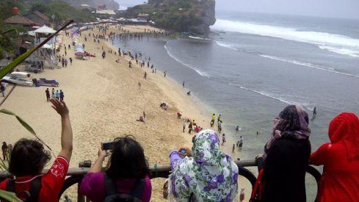 Pariwisata Indonesia Kembali Tercoreng, Turis Belanda Terseret Ombak di Pantai Indrayanti Gunungkidul