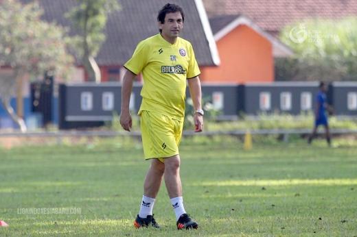 Eduardo Enggan Sampaikan Posisi Pemain yang Dibutuhkan Arema FC