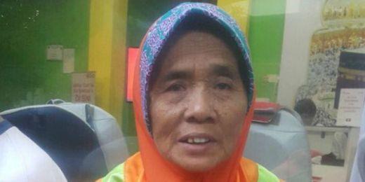 Nenek Pemulung Ini Berangkat Naik Haji Setelah 40 Tahun Menabung