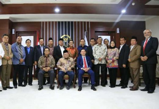 La Nyalla Resmikan Forum Pimpinan Daerah Purna Bhakti Anggota DPD RI Periode 2019-2024
