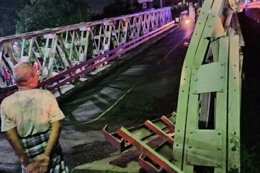 Jembatan Penghubung Kota Pekalongan - Pemalang Amblas, Arah Jakarta Wajib Masuk Tol