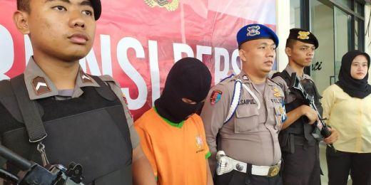 Selain Candu Nonton Bokep, Pembunuh Bocah di Bogor Hobi Curi Celana Dalam Wanita Sampai Sekarung