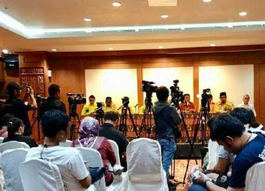 Ratusan Pengurus DPP Partai Golkar Kecewa Tak Bisa Masuk Kantor DPP