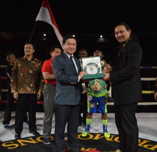 Simbol Kebangkitan Tinju Profesional Indonesia