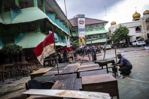 Anies Pastikan Bantuan pada Siswa dan Sekolah Terdampak Banjir
