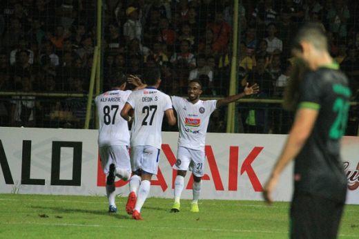 Arema FC Tak Pilih Lawan di Laga Final