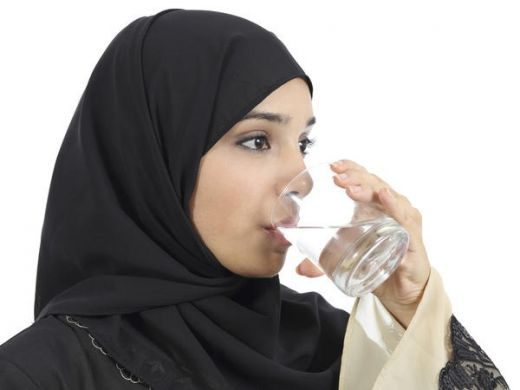 Ini Kata Dokter soal Manfaat Minum Air Hangat di Penutup Sahur Puasa Ramadan