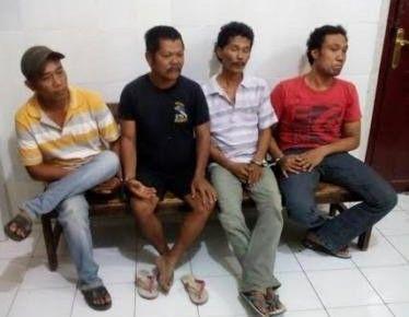 Isi Ramadan dengan Banting Kartu, Masyarakat Lapor Polisi, Ditangkep Dech...