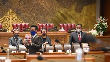 Drama Mik Mati di Omnibus Law, Demokrat Sindir Tangisan Puan