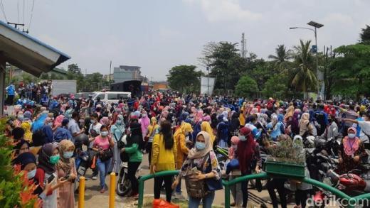 Ada Aksi Buruh Tolak Omnibus Law, Akses Serang-Jakarta Kembali Ditutup